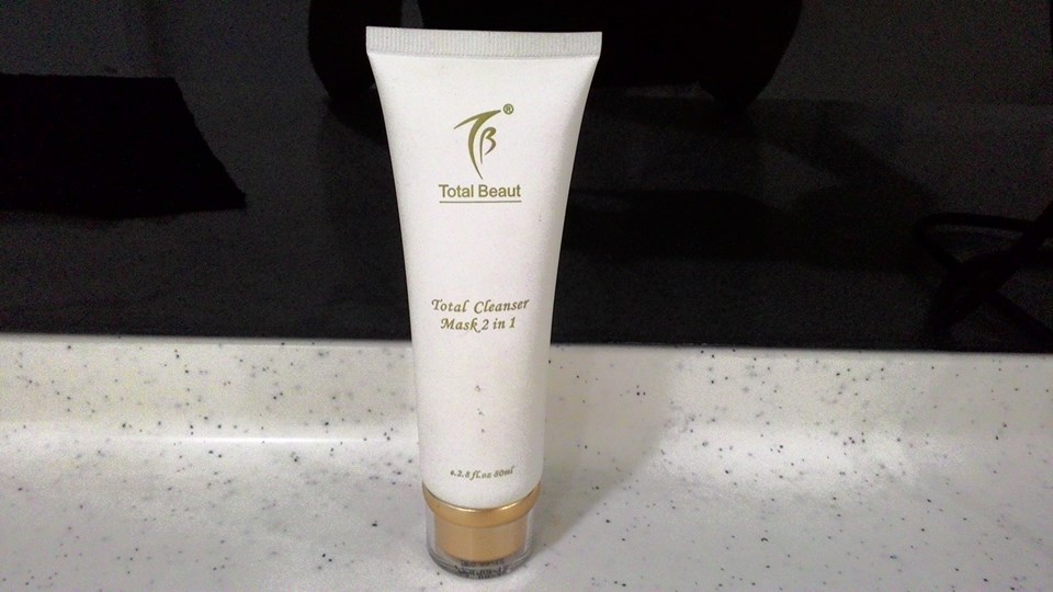 Total-Cleanser-Mask-2-in-1-0